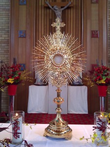 Eucharistic_Adoration_-_Monstrance